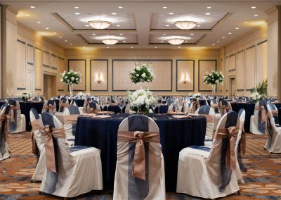 gallery_Carolina-Ballroom-Rounds-Straight-on-uplighting-Hi-Res-1